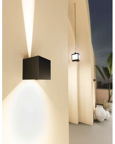 Aplique pared negro de exterior 10cm Luz superior e inferior LED 6,8W Aluminio 4000k. 542 Lm.