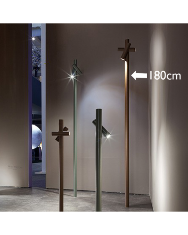 Outdoor beacon Tube 180 cm high finished in corten with 2 rotating LED spotlights of 4.5W 3000K IP55