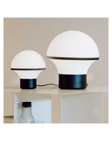 Lámpara diseño sobremesa blanca en cristal opal base acero negro regulable táctil E27
